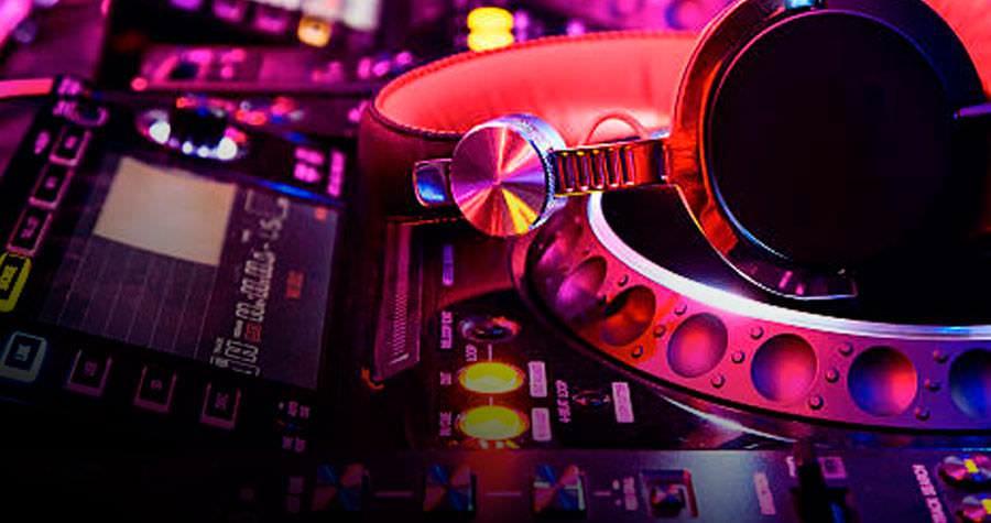 equipo profesional para DJ